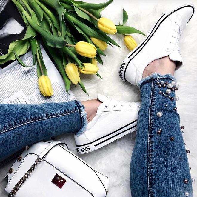 Ai mê sneaker trắng thì chắc chắn phải nằm lòng 8 mẹo làm sạch giày này  - Ảnh 4.