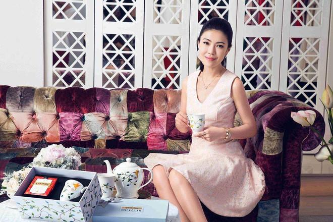 Ngắm phong cách của Tô Mang - người đàn bà U50 quyền lực trong giới thời trang Cbiz - Ảnh 17.