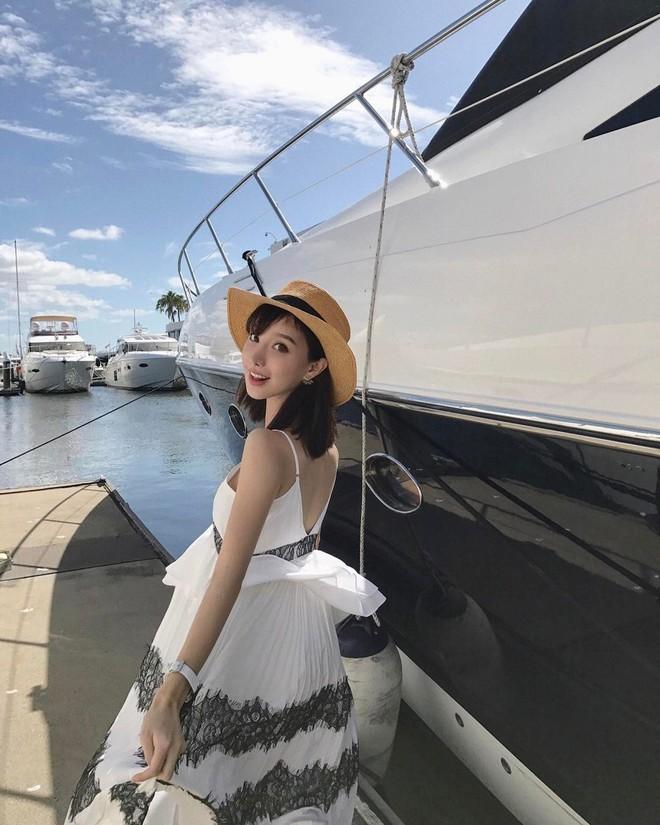 Cuộc sống xa hoa, hưởng thụ, nhan sắc mòn con mắt của Di Vy Tịnh - hot mom nổi danh giàu có - ảnh 22