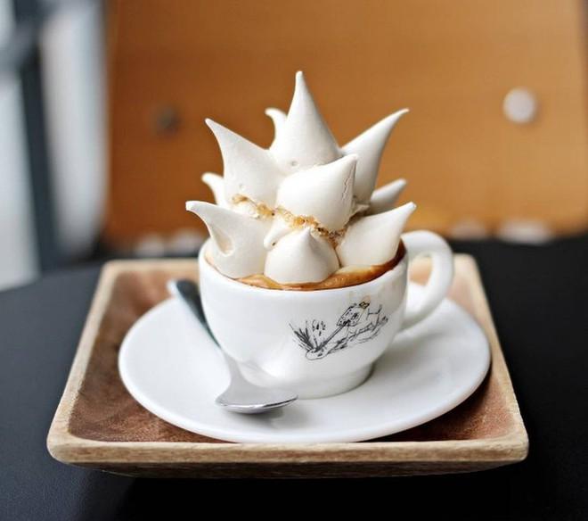 Vòng quanh thế giới đi tìm những món cafe độc đáo nhất: Cafe pha với than hồng, pho mát - ảnh 15