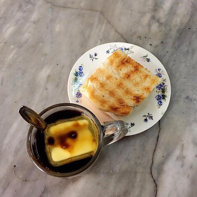 Vòng quanh thế giới đi tìm những món cafe độc đáo nhất: Cafe pha với than hồng, pho mát - ảnh 9