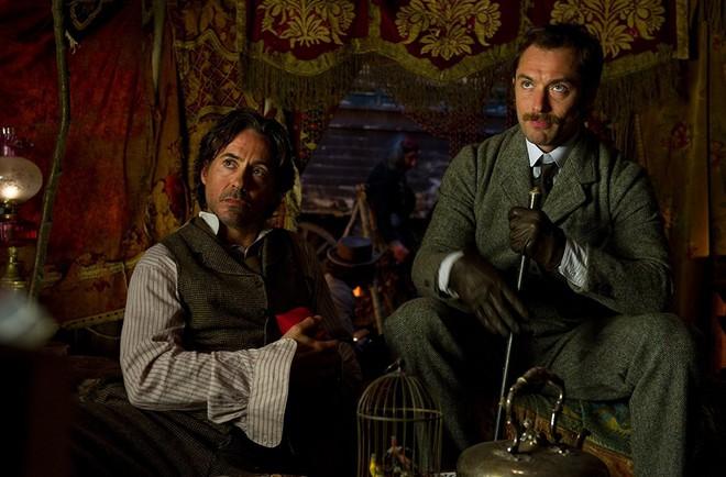 Sau 7 năm, Iron Man Robert Downey Jr. cũng chịu bật đèn xanh cho Sherlock Holmes 3 - Ảnh 2.