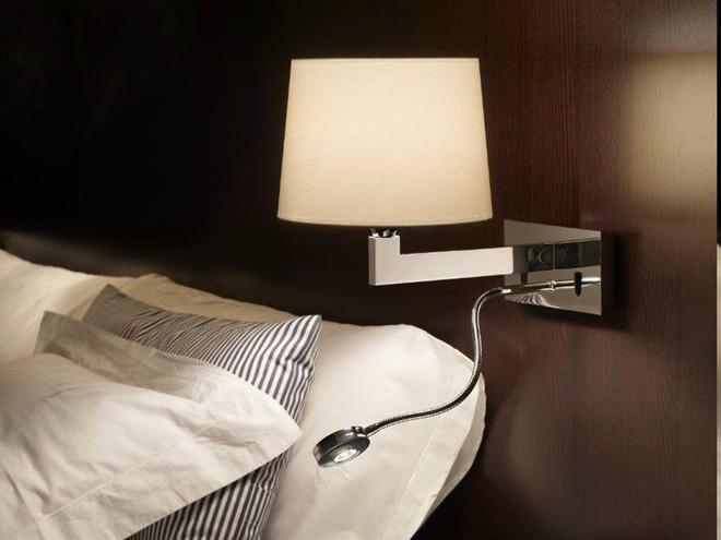 Sử dụng rèm cửa để ngăn chặn mọi ánh sáng chiếu vào giường ngủ nếu bạn không muốn bị trầm cảm và đây là lý do tại sao - Ảnh 2.