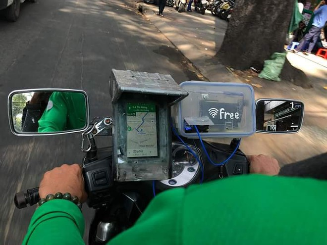 Chàng tài xế công nghệ khiến dân mạng phát sốt vì dòng chữ siêu đáng yêu phía sau mũ bảo hiểm - ảnh 4