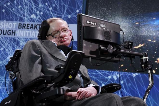 Stephen Hawking với 2 cuộc hôn nhân trái ngược, nhiều kịch tính và điều còn lại sau cùng hơn cả tình yêu - Ảnh 1.