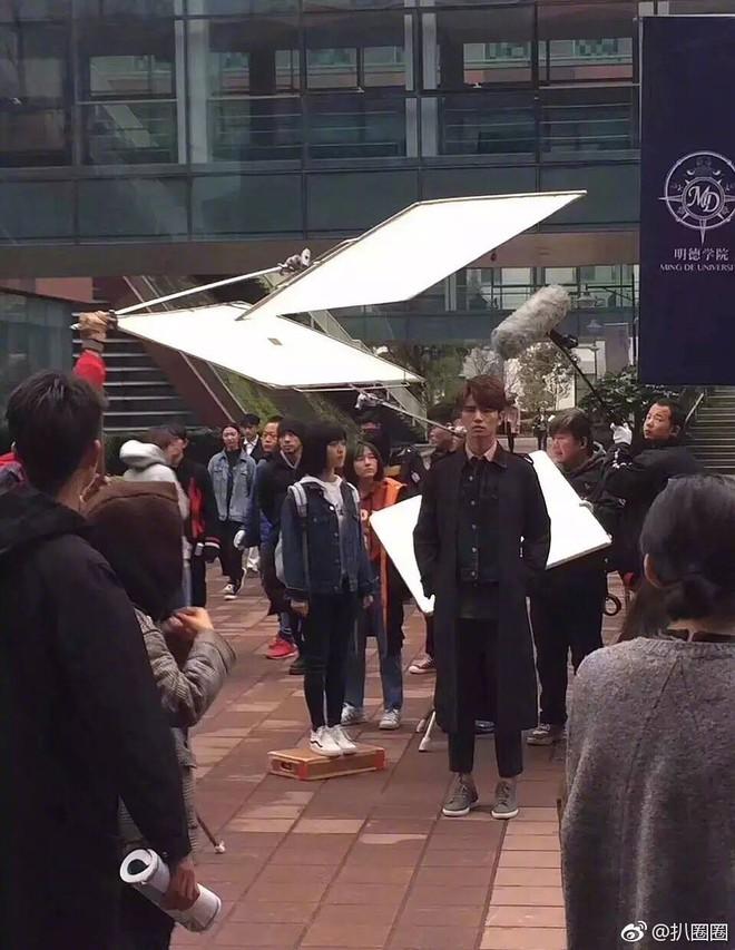Lộ ảnh hậu trường, Vườn Sao Băng 2018 bị khán giả chê kém sang - Ảnh 3.
