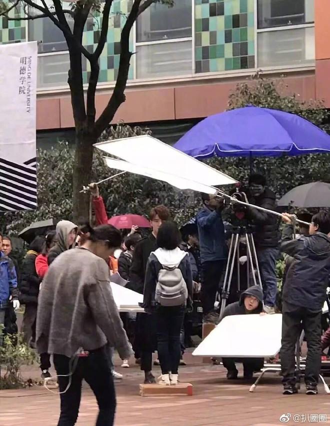 Lộ ảnh hậu trường, Vườn Sao Băng 2018 bị khán giả chê kém sang - Ảnh 4.