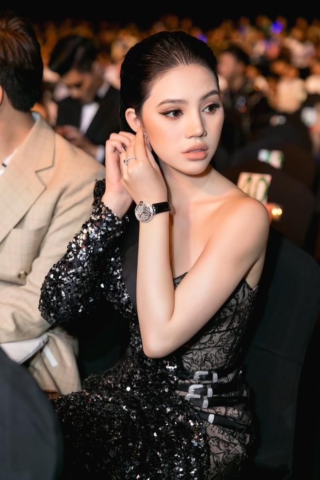 Thêm một tay chơi đồng hồ bạc tỷ của Vbiz đã lộ diện, và đó chính là Jolie Nguyễn! - Ảnh 1.