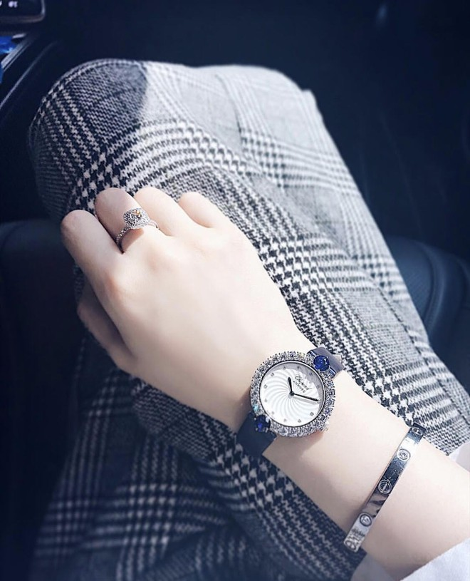 Thêm một tay chơi đồng hồ bạc tỷ của Vbiz đã lộ diện, và đó chính là Jolie Nguyễn! - Ảnh 11.