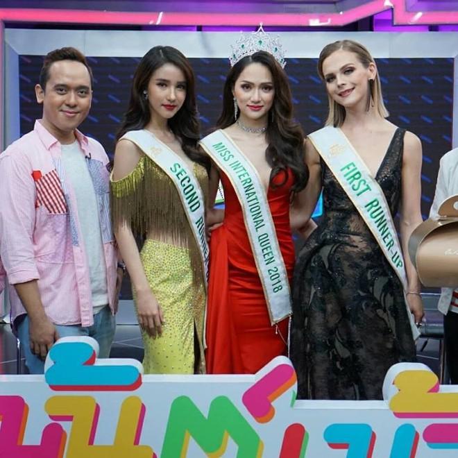 Sau đăng quang, Á hậu 1 cuộc thi Hoa hậu Chuyển giới Quốc tế 2018 cứ diện đi diện lại một chiếc váy tới 3 lần - Ảnh 4.