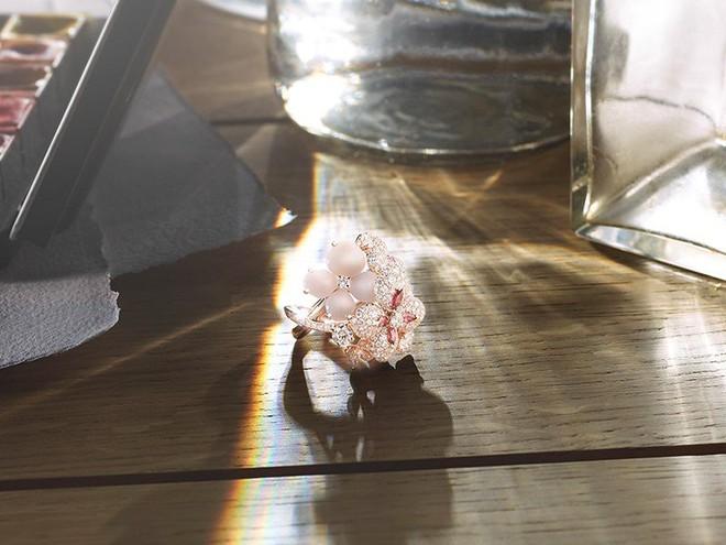 Diện bộ trang sức đắt gấp 10 lần so với nhẫn cưới, Song Hye Kyo quả là chơi lớn cho sự kiện lần này - Ảnh 5.