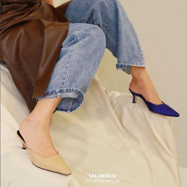 Ngoài Zara và H&M, các nàng công sở có thể tìm được những mẫu giày dép với đủ mọi giá tiền từ 6 thương hiệu này  - Ảnh 12.