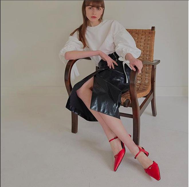 Ngoài Zara và H&M, các nàng công sở có thể tìm được những mẫu giày dép với đủ mọi giá tiền từ 6 thương hiệu này  - Ảnh 13.