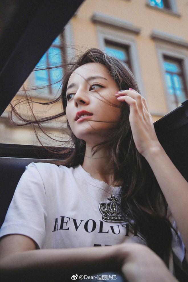 Địch Lệ Nhiệt Ba: Đằng sau vẻ đẹp kiêu sa là nữ hán tử bản lĩnh không chấp nhận định kiến 'bình hoa di động' 15