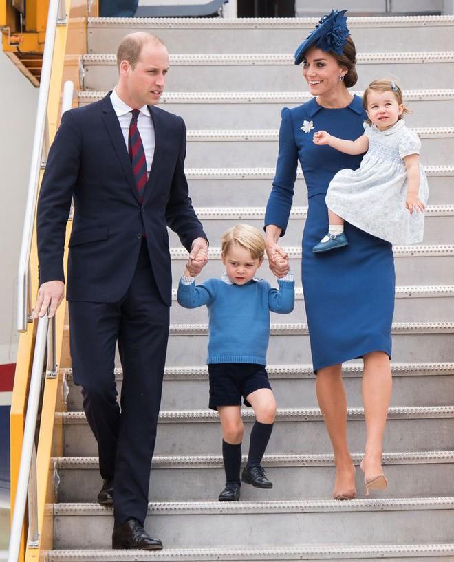 Ai là người chi trả cho trang phục tốn kém của các nhân vật hoàng gia Anh? Câu trả lời chắc chắn sẽ khiến bạn ngạc nhiên - Ảnh 4.