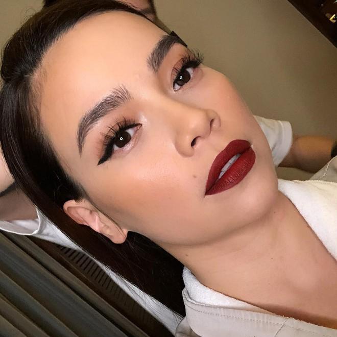 Từ lông mày càng đậm càng tốt, ngày càng nhiều người đẹp Việt chuộng kẻ mày tự nhiên khoe rõ từng sợi mày - Ảnh 4.