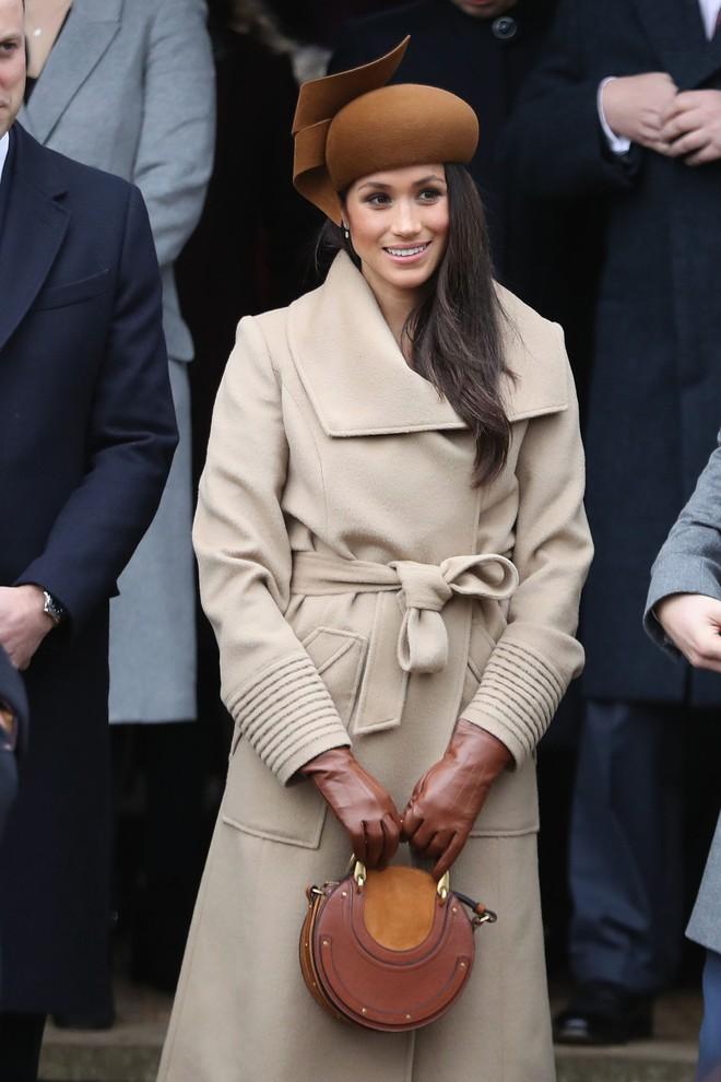 Ai là người chi trả cho trang phục tốn kém của các nhân vật hoàng gia Anh? Câu trả lời chắc chắn sẽ khiến bạn ngạc nhiên - Ảnh 5.