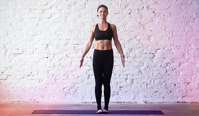 Những tư thế yoga giúp tăng cường sự dẻo dai và chắc khỏe xương - Ảnh 10.