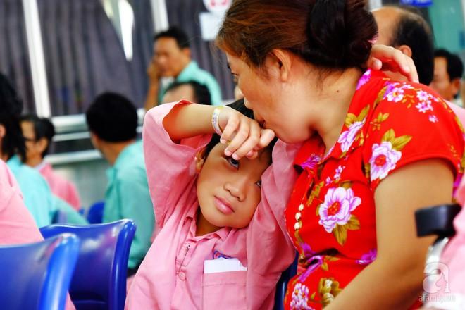 Tâm sự của người mẹ 2 năm trời nuôi con bệnh tim nặng: Nếu không có phòng công tác xã hội, con tôi khó sống đến giờ - Ảnh 2.