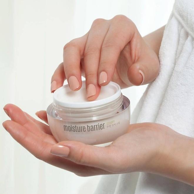 Cho ngày nồm ẩm: 6 hộp kem dưỡng thấm nhanh, không nhờn dính nhưng vẫn làm da mềm mịn với giá từ 250k - Ảnh 7.