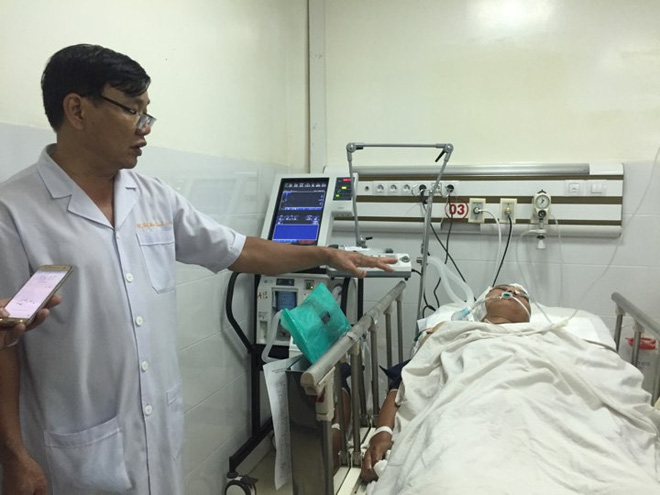 Vụ xe ben tông dải phân cách, lao vào 8 xe máy ngược chiều tại Sài Gòn: Một người chết, một người nguy kịch - ảnh 2