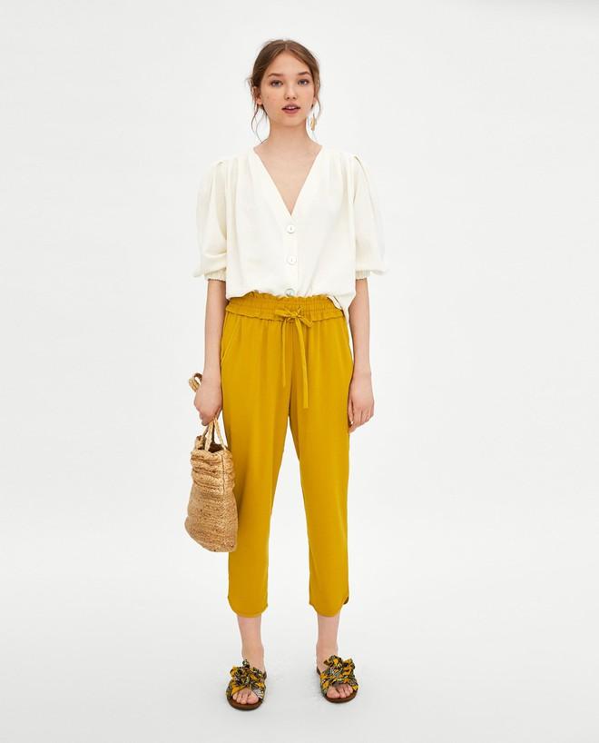 Màu vàng đang chiếm sóng khắp nơi, Zara và H&M cũng cho ra mắt loạt áo váy với giá chưa đến 1 triệu đây này! - Ảnh 14.