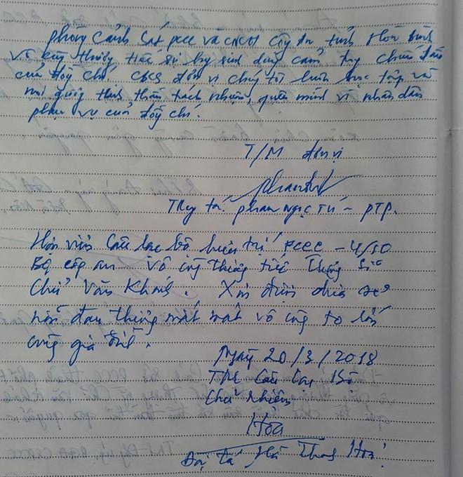 Đồng đội, người thân nghẹn lòng trong đám tang thượng sĩ Chử Văn Khánh hi sinh trong khi đi làm nhiệm vụ - Ảnh 14.