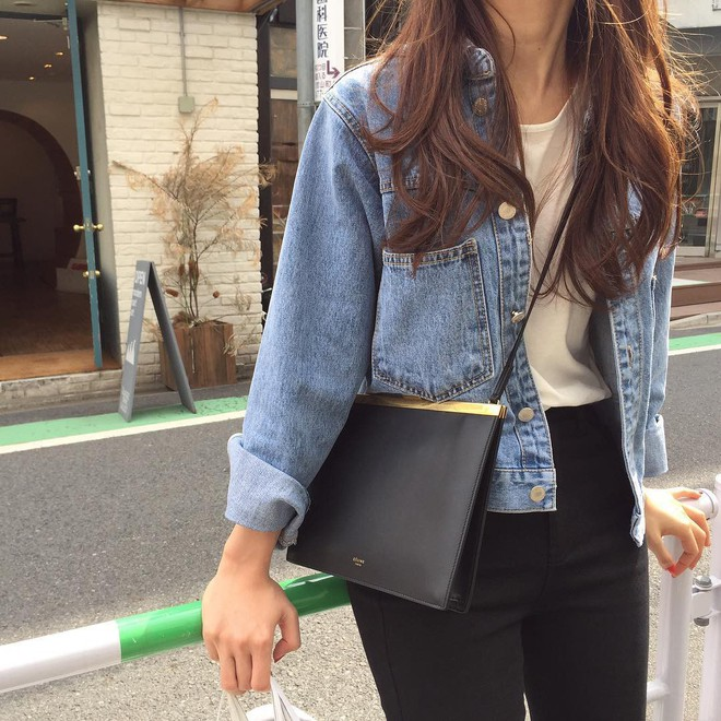 4 kiểu túi hot nhất mùa Xuân/Hè mà bạn nên sắm để diện đồ đẹp hơn và chụp hình chuẩn Hàn hơn - Ảnh 2.