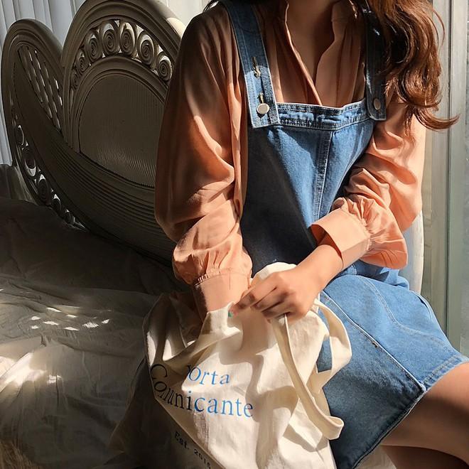 4 kiểu túi hot nhất mùa Xuân/Hè mà bạn nên sắm để diện đồ đẹp hơn và chụp hình chuẩn Hàn hơn - Ảnh 13.