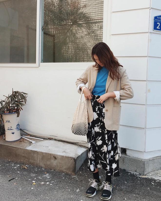 4 kiểu túi hot nhất mùa Xuân/Hè mà bạn nên sắm để diện đồ đẹp hơn và chụp hình chuẩn Hàn hơn - Ảnh 19.