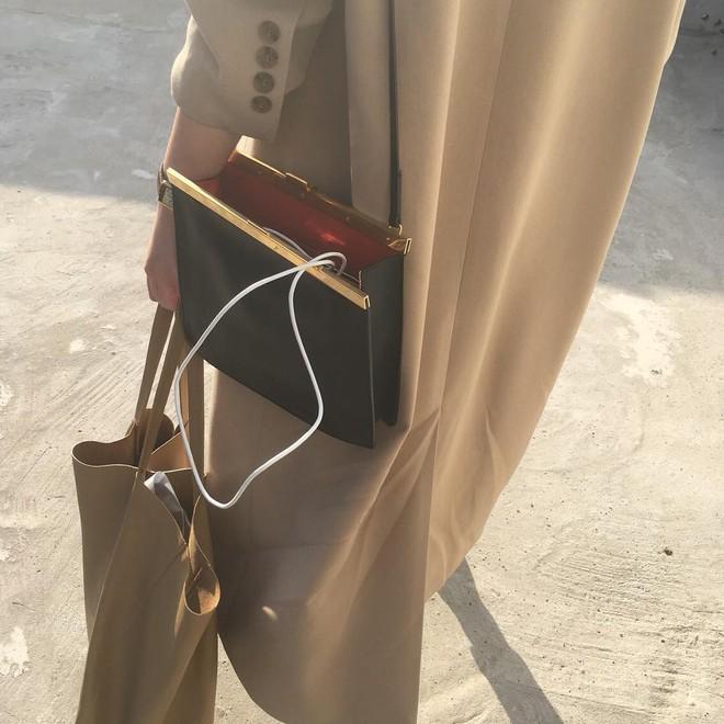 4 kiểu túi hot nhất mùa Xuân/Hè mà bạn nên sắm để diện đồ đẹp hơn và chụp hình chuẩn Hàn hơn - Ảnh 3.