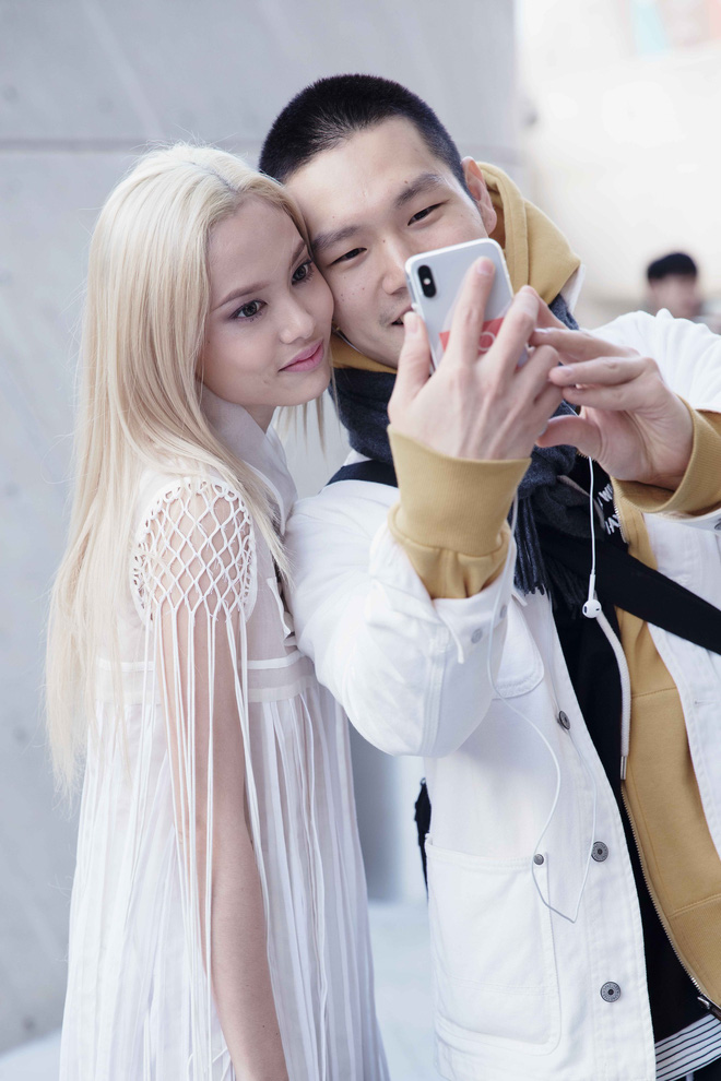 Có vẻ như Seoul Fashion Week năm nay, Việt Nam chỉ có Fung La đơn thương độc mã góp mặt - Ảnh 3.