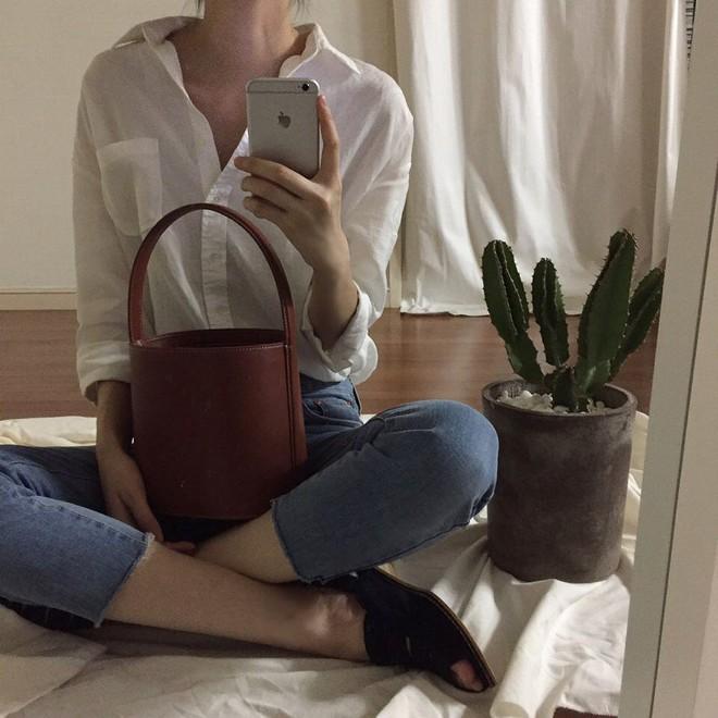 4 kiểu túi hot nhất mùa Xuân/Hè mà bạn nên sắm để diện đồ đẹp hơn và chụp hình chuẩn Hàn hơn - Ảnh 7.