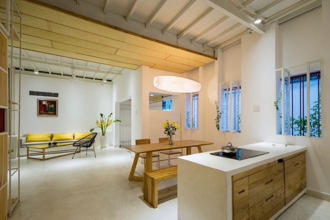 Ngôi nhà 50m² trong hẻm nhỏ đẹp chẳng kém resort ở Sài Gòn - Ảnh 5.