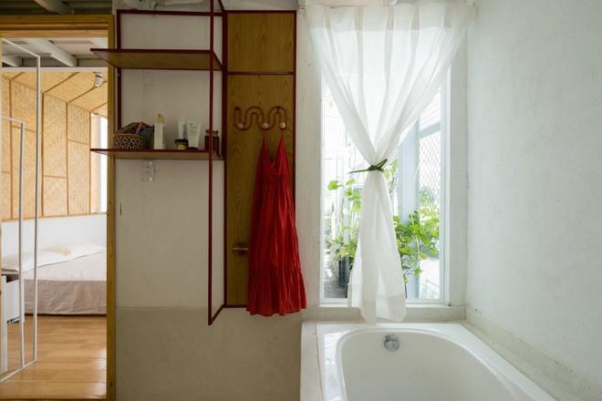 Ngôi nhà 50m² trong hẻm nhỏ đẹp chẳng kém resort ở Sài Gòn - Ảnh 15.