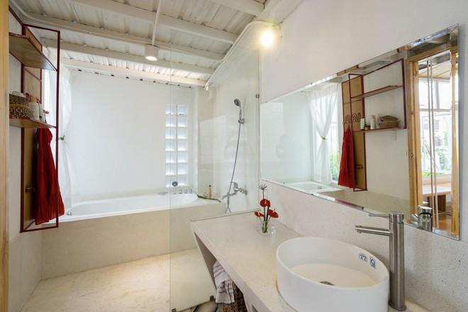 Ngôi nhà 50m² trong hẻm nhỏ đẹp chẳng kém resort ở Sài Gòn - Ảnh 14.