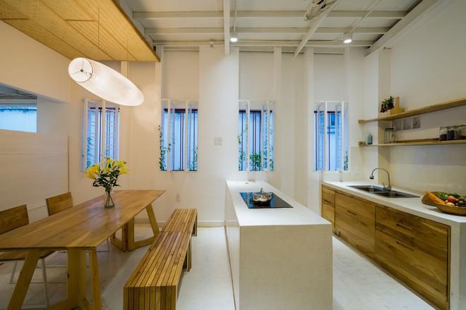 Ngôi nhà 50m² trong hẻm nhỏ đẹp chẳng kém resort ở Sài Gòn - Ảnh 7.