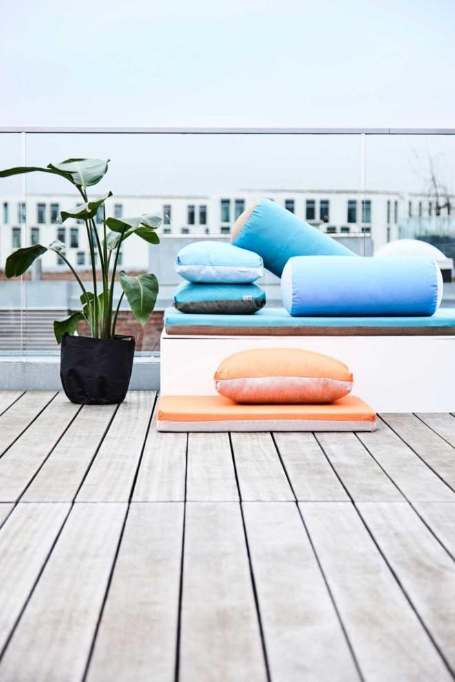Tham khảo cách phối hợp màu sắc giữa những chiếc ghế nệm ngoài trời siêu đẹp, cực trendy - Ảnh 2.
