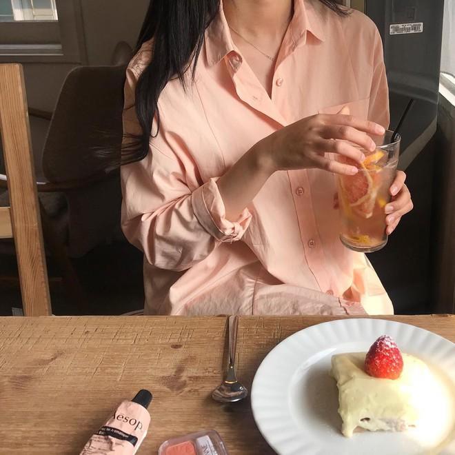 Sơ mi màu pastel - chiếc áo cực yêu mà các fan của áo sơ mi không thể không sắm mùa Xuân/Hè này - Ảnh 6.