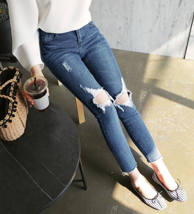 Các nàng đã biết cách kết hợp đúng quần và váy với 5 kiểu giày dép hot nhất hè này chưa - Ảnh 8.
