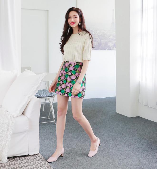 Các nàng đã biết cách kết hợp đúng quần và váy với 5 kiểu giày dép hot nhất hè này chưa - Ảnh 13.