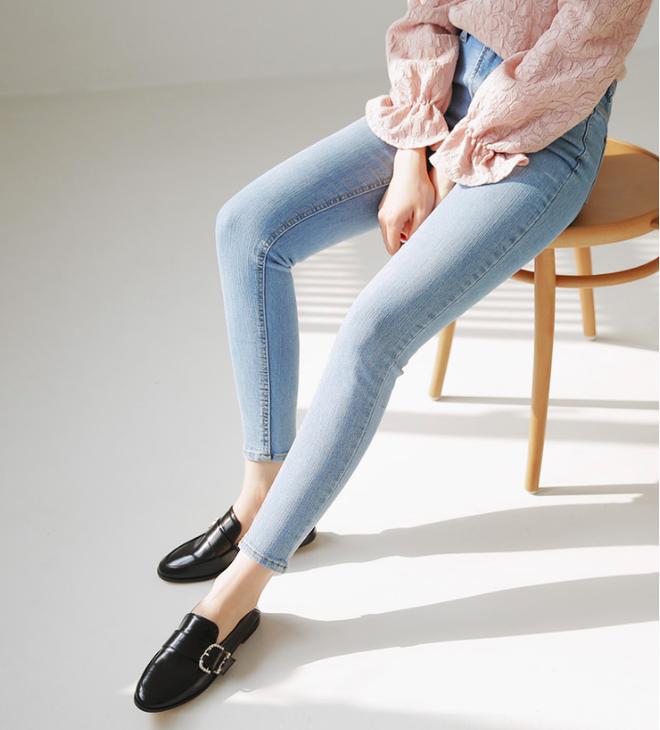 Các nàng đã biết cách kết hợp đúng quần và váy với 5 kiểu giày dép hot nhất hè này chưa - Ảnh 17.