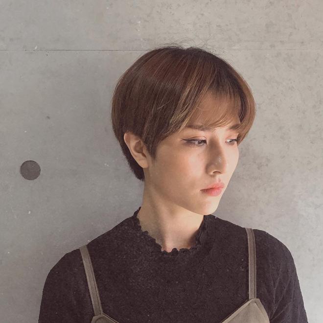 Loạt quý cô Hàn Quốc đã hack tuổi nhờ kiểu tóc tém mái lưa thưa này - Ảnh 10.