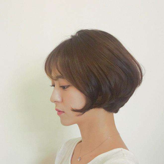 Loạt quý cô Hàn Quốc đã hack tuổi nhờ kiểu tóc tém mái lưa thưa này - Ảnh 15.