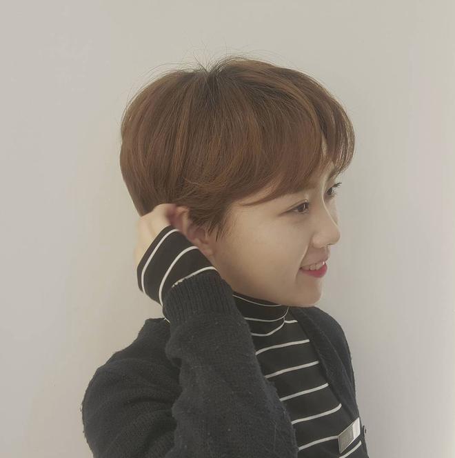 Loạt quý cô Hàn Quốc đã hack tuổi nhờ kiểu tóc tém mái lưa thưa này - Ảnh 16.