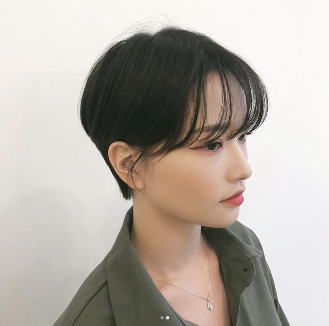 Loạt quý cô Hàn Quốc đã hack tuổi nhờ kiểu tóc tém mái lưa thưa này - Ảnh 19.