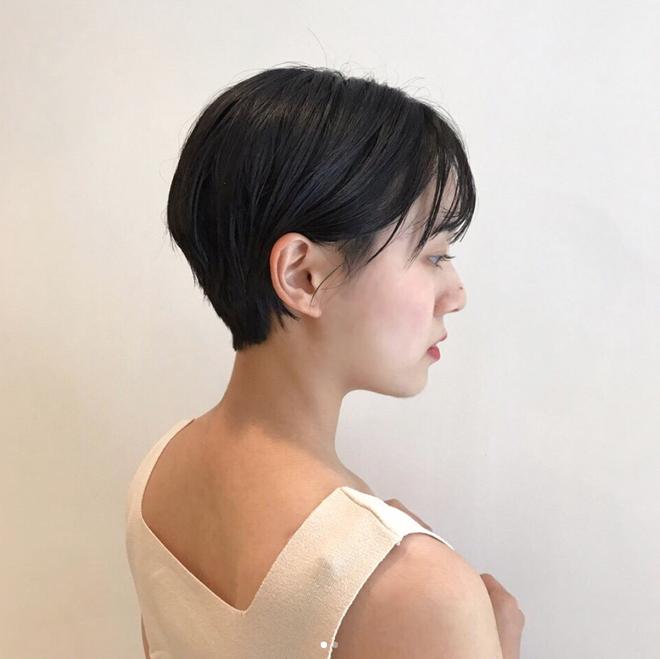 Loạt quý cô Hàn Quốc đã hack tuổi nhờ kiểu tóc tém mái lưa thưa này - Ảnh 20.
