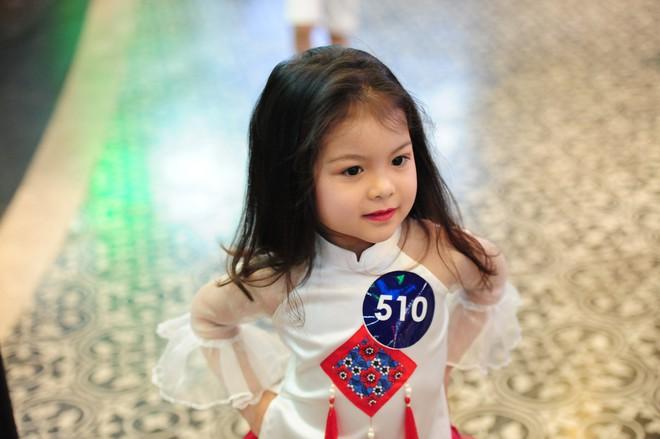 Loạt nhóc tì cực đáng yêu đi casting cho Tuần lễ thời trang trẻ em Việt Nam - Ảnh 4.