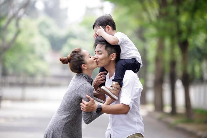 Fan ngất ngây trước lời chúc sinh nhật nhiều đường của Phan Hiển dành cho Khánh Thi - Ảnh 2.