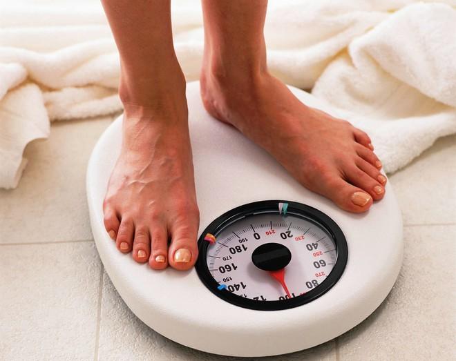 Việc giảm cân sẽ trở nên đơn giản hơn nhiều nếu bạn rèn luyện những thói quen buổi sáng sau - Ảnh 3.